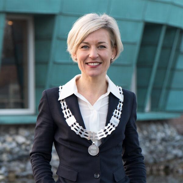 burgemeester-Iris-Meerts